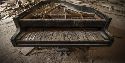 old piano made obsolete by Jukebox