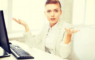 coworker wonders why everyone keeps clicking reply all