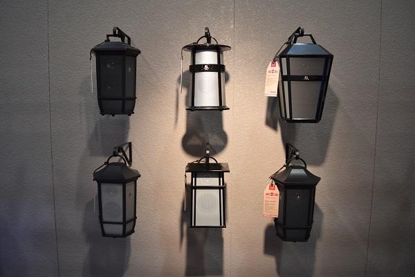 CES 2016 display of lantern speakers