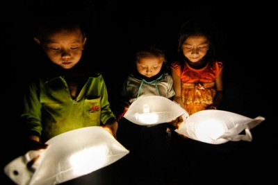 luminaid inflatable lights for developing nations