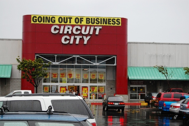 Circuit City storefront with Going Out of Business sign