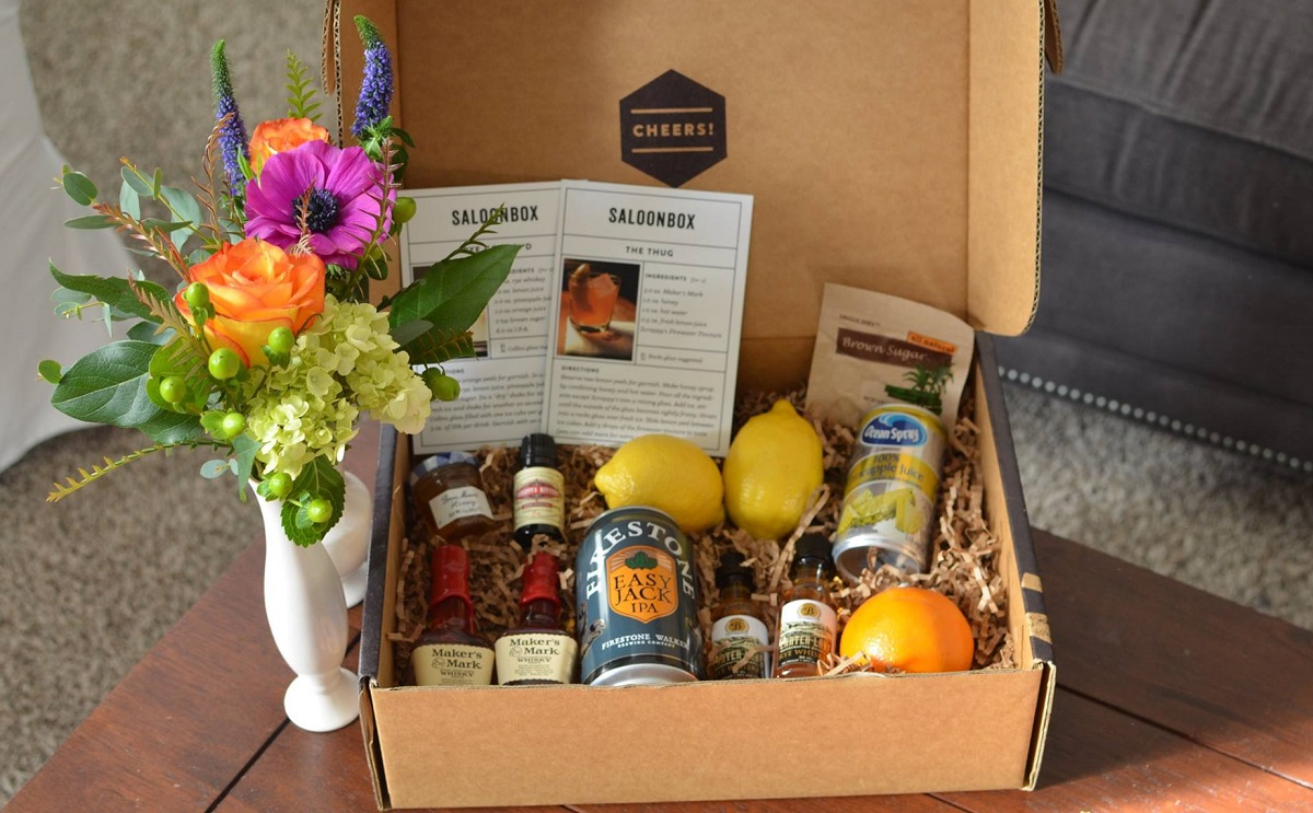 SaloonBox monthly cocktail subscription