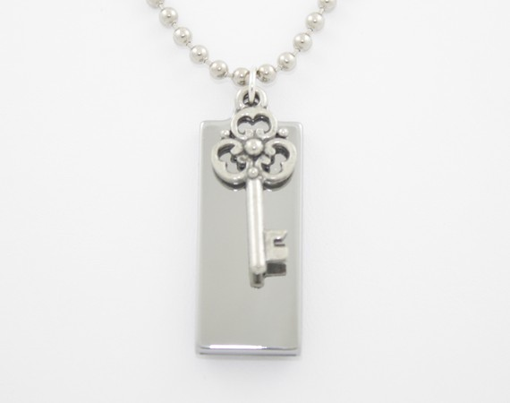 usb necklace pendant