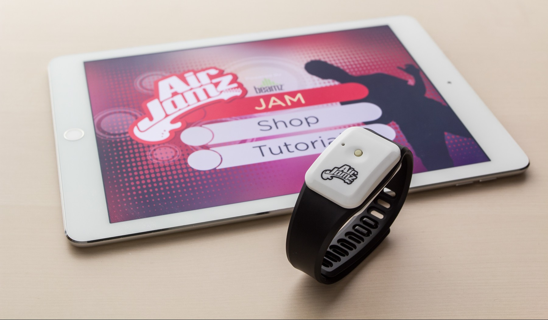 Air Jamz Makes You An Air Guitar God, Actually Playing Music When You Move