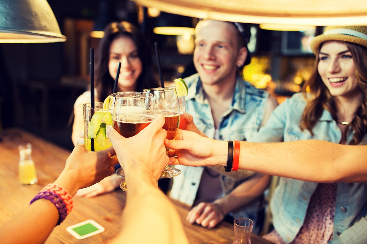 Bar Roulette Is a 'Surprise Me' App for Bar Hopping