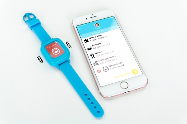 Octopus smartwatch for kids and companion app for parents