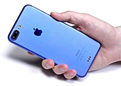 iPhoneheldinwoman'shand