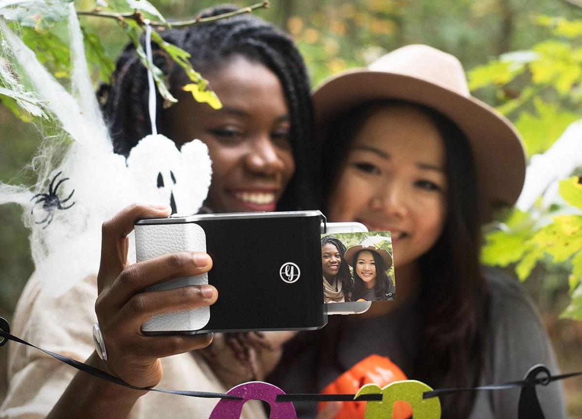 prynt smartphone case instant camera