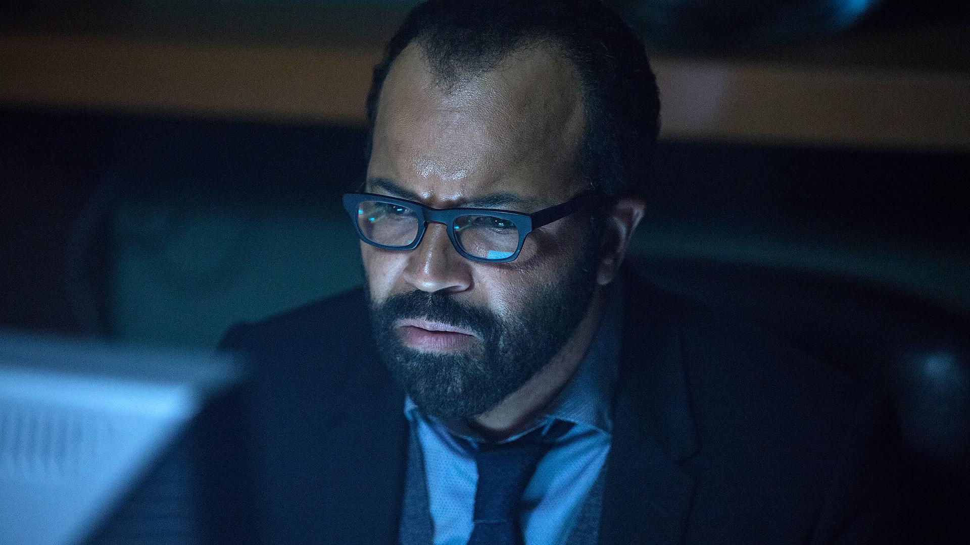 Bernard looking concerned in Westworld episode 6