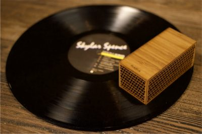 rokblok portable vinyl player product shot