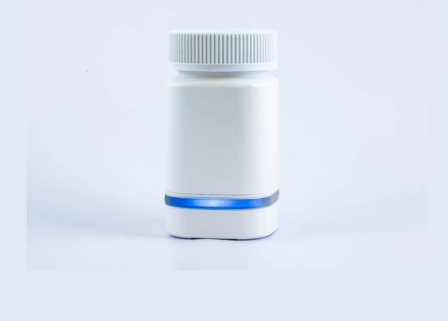A Connected Smart Medication Bottle That Sends You Alerts