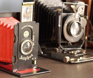 This Vintage Instant Camera Is Made From Recycled Paper