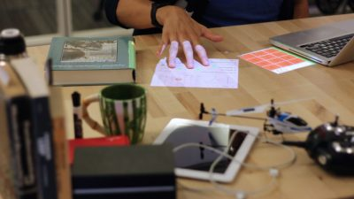 Carnegie Mellon Project Turns Desks Into Interactive Augmented Reality Surfaces